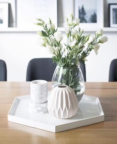 from featuring the Kmart concrete dipped glass vase!Tap for tags 👆🏻 decor ideeën woonkamer appartement Tray Decor, Decoration Table, Vases Decor, Coffee Table Styling, Decorating Coffee Tables, Table Decor Living Room, Bedroom Decor, Home Decor Accessories, Home Decor Inspiration