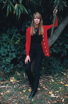 Françoise Hardy  I think the bold white buttons on the sweater take this outfit up a notch