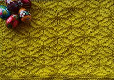 Cast on 60 stitches and knit 4 rows, and then pattern. Start and end all rows with 2 k. When the cloth has the desired length, knit 4 . Knitting Stitches, Knitting Patterns, Bind Off, Stitch Patterns, Knit Crochet, Texture, Dishes, Dishcloth, Blog