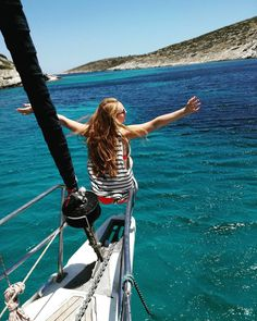 38 mentions J'aime, 3 commentaires - @christalsailing sur Instagram: «La belle vie 😍 #Christalsailing #soleil☀️ #vacancesautop #été #plage #mer #voile #voilier #bateau…»