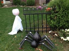 Halloween-Deko-Ideen-garten-schwarze-abfalleimer