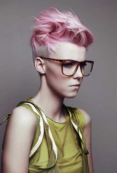 In order to minimize miscalculation in color combination and loss of time, we have deemed it necessary to compile in this short article 35 of the best short hair color trends to give you. Mohawk Hairstyles For Women, Pixie Hairstyles, Cool Hairstyles, Short Haircuts, Hairstyles 2016, Short Punk Hairstyles, Gorgeous Hairstyles, Popular Haircuts, Medium Hairstyles