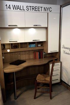 Çalışma masası bir genç odasına yakışır ve modern biçimde tasarlanır.  https://www.landriviera.com/calisma-masasi-/