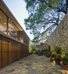 B+B House by Studio MK27, Brazil