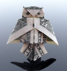 Dollar Origami Owl I'm going to do this to every bill I get Folding Money, Origami Folding, Paper Folding, Origami Boxes, Origami Owl, Origami Paper, Origami Ideas, Kids Origami, Origami Hearts