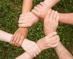Caregiver support programs can help you find the answers and support you need through these new changes. Here are some common problems and solutions discussed in caregiver support group. Aides Sociales, Lien Social, Tema Wordpress, Team Builders, Staff Meetings, Mental Training, Free Training, Ice Breakers, Business Intelligence