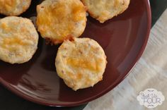 Holiday Baking: Bacon Chile Cornbread Mini Muffins - Just Us Four Muffin Recipes, Bread Recipes, Grilled Chicken Sandwiches, Tasty, Yummy Food, Fun Food, Candied Bacon, Pinch Recipe, Dessert Bread