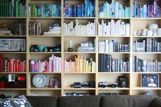Exactly how I'd have my bookcase if I had my own place.    by reya. via Flickr