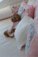 almofadas decorativas azul e rosa com ursinho