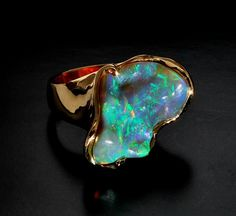 Opal Ring-The design of the Gold flows well with the shape of the Opal #opalsaustralia