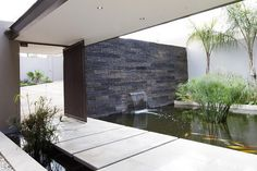 Architecture, Indoor Fish Pond Waterfall Bamboo Plants Stone Wall Cement Bridge Plus Iron Gate Door: The Outstanding House Sed Architected by Nico van der Meulen Architects Indoor Pond, Indoor Water Fountains, Wall Fountains, Style At Home, Pond Design, House Design, Contemporary Water Feature, Contemporary Decor, Design Fonte