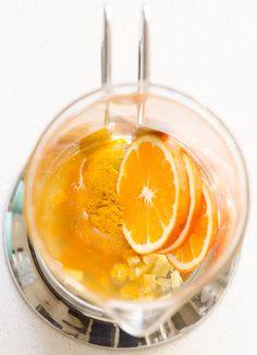 Anti Inflammatory Tea is a healing tea recipe with turmeric, ginger, apple cider vinegar and raw honey. It tastes pretty amazing. | ifoodreal.com