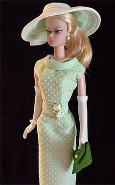 barbie dresses   .35. 20. 3 qw