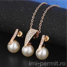 Set bijuterii format din lantisor cu pandantiv, pereche cercei
