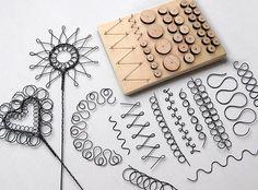 Jewelry Tools, Jewelry Crafts, Jewelry Making, Wire Wrapped Jewelry, Wire Jewelry, Jewellery, Wire Jig, Wire Ornaments, Wire Tutorials