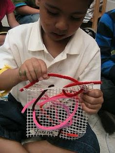 Preschool Weaving using pipecleaners