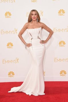 Pin for Later: Not Just For Brides: The Emmys Give Us Plenty of Reasons to Wear White Sofia Vergara The Modern Family stunner wowed in a crisp Roberto Cavalli gown that was made for showing off her curves.