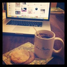 Cookies, hot chocolate, and pinterest ... the perfect afternoon!