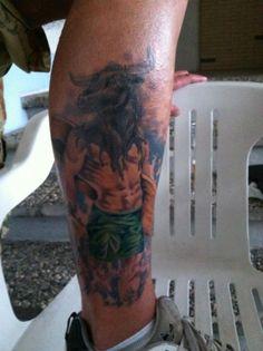 Tatuaje de hombre con cabeza de toro