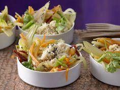 Winter ade! Die knackige Mischung aus jungem Frühlingsgemüse macht den Abschied wirklich leicht: Honig-Gemüse mit Couscous - smarter - Kalorien: 356 Kcal - Zeit: 35 Min. | eatsmarter.de