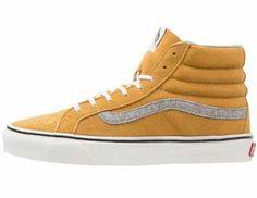 Las Zapatillas Amarillas De Mujer Son Cómodas Las zapatillas amarillas de mujer son cómodas, prácticas y se pueden llevar a todas horas. La moda deportiva