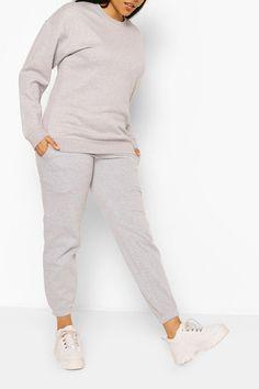 Womens Plus Basic Sweat & Jogger Lounge Set - Grey - Curvy Women Fashion, Fashion Tips For Women, Uk Size 16, Plus Size Pants, Wardrobe Staples, Pajama Set, Boohoo, Lounge Wear, Night Out