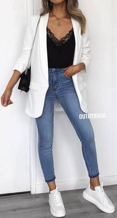 moda 45 Fantastic Spring Outfits You Should Definitely Buy / 020 Mode buy Fantastic Moda Outfit ideen outfits Spring Mode Outfits, Fall Outfits, Summer Outfits, Fashion Outfits, Womens Fashion, Office Outfits, Jeans Fashion, Fashion Ideas, Dress Fashion