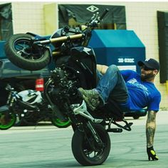 @dontmakemesayit killing the hand drags on his ZeusArmor equipped Honda Grom #zeusarmor #dowork #honda #grom #msx125 #stunt