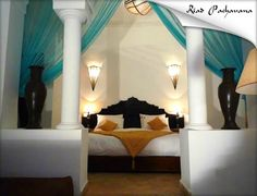Riad Pachavana: embrujo marroquí 195€.  Could YOU pass this Morrocan bedroom up?