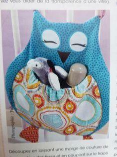 DIY Range Pyjama Eule: Tuto Range Pyjama Eule von Catherine M . Baby Couture, Couture Sewing, Sewing Projects For Kids, Sewing For Kids, Range Pyjama, Baby Born Clothes, Peg Bag, Baby Accessoires, Creation Couture