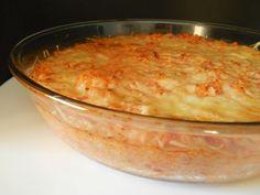 Un gratin complet à base de riz, de thon et de tomates....