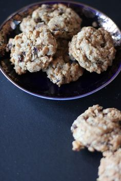 Oatmeal Cookies with Golden Raisins and Toasted Walnuts #cookies #baking #dessert