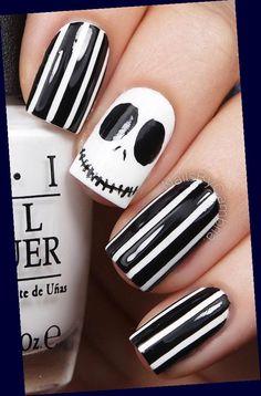 Ongles Halloween Simple, Cute Halloween Nails, Halloween Acrylic Nails, Halloween Nail Designs, Halloween Halloween, Halloween Geist, Halloween Decorations, Women Halloween, Halloween Makeup