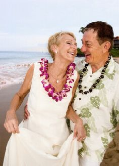 Outrigger Resorts Spa In Oahu Hawaii Offer Complimentary Beach Side Vow Renewal Ceremonies