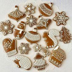 REPOST from Olga B.shperling Christmas gingerbread cookies 🎅🎄🎉 REPOST from Olga B. Christmas Cupcakes Decoration, Christmas Desserts, Christmas Treats, Christmas Baking, Italian Christmas, Christmas Recipes, Easy Gingerbread House, Gingerbread Decorations, Christmas Gingerbread