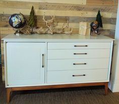 Superbe Mid Century Modern Vintage Dresser In Two Tone With White Frame And Natural  Wood, · Vintage DressersWhite FramesFurniture RefinishingNatural ...