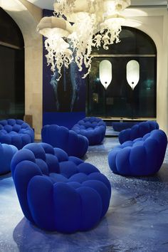 BUBBLE sofa, designed by Sacha Lakic. The comfort and fantasy of this armchair…
