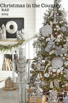 2019 RAZ Christmas Tree Inspiration Too early to start thinking about Christmas inspiration? Most people like to know what's coming down the pike so they can start planning early, pick Country Christmas Trees, Farmhouse Christmas Decor, Christmas Tree Themes, Noel Christmas, Christmas Wreaths, Holiday Decorations, Christmas Tree Ribbon, Decorated Christmas Trees, Christmas Pictures