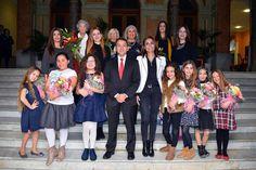 Grupo Mascarada Carnaval: El alcalde de Santa Cruz recibe a las reinas y dam...