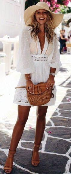 Boho schicker Look Boho # Bohemian # Gypsy # Freespirit # Mode # Moda Source by demirka Fashion Moda, Fashion 2018, Boho Fashion, Fashion Outfits, Womens Fashion, Ladies Fashion, Style Fashion, Floral Fashion, Fashion Clothes
