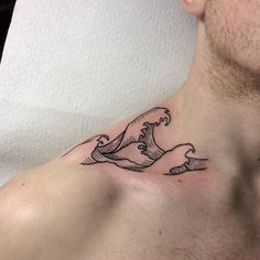 goes with curvature of the body new trend 2019 Tattoo Designs goes with curvature of … Surf Tattoo, Ocean Tattoos, Shark Tattoos, Foot Tattoos, Body Art Tattoos, Tattoo Wave, Small Shark Tattoo, Clavicle Tattoo, Tattoo Neck