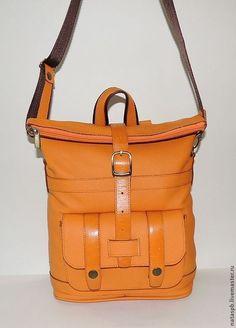 Купить или заказать Сумка-рюкзак из кожи 'Цитрус' в интернет-магазине на Ярмарке Мастеров. Материал верха: натуральная кожа – оранжевая Материал отделки: натуральная кожа – оранжевая Материал подкладки: полиэстер – в коричневую клетку Сумка-рюкзак сшита из мягкой яркой кожи оранжевого цвета. Оранжевый цвет - это солнце, радость, тепло. Несомненно, доставит удовольствие пользование таким аксессуаром. В зависимости от обстоятельств рюкзак быстро может стать сумко…