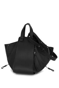 LOEWE Hammock bag Black. Innovative design, 6 personalities.