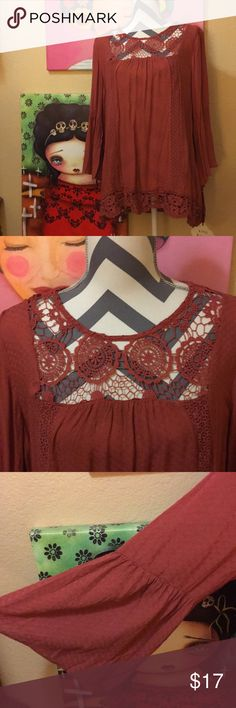 NWT tunic top. NWT tunic top with awesome lace detail by Knox Rose in a gorgeous rust color Size L. Knox Rose Tops Tunics