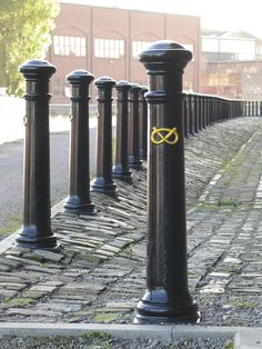 ASF - Architectural Street Furnishings : Cast Iron Bollards