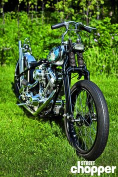 An old style chopper with a new Evo motor Motorcycle Rallies, Chopper Motorcycle, Bobber Chopper, Motorcycle Clubs, Motorcycle Design, Bike Design, Custom Bobber, Custom Harleys, Custom Motorcycles