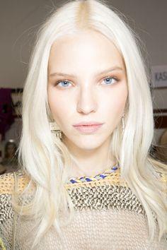 face, model backstag, sasha luss hair, neka, backstagefashion makeup, backstag beauti, beauti inspir, barbi beauti, blond beauti