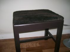Another garage sale project: faux fur topped bench