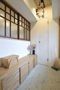Interior Photo, Interior Design, Natural Interior, Interior Windows, Wood Interiors, Japanese House, Restaurant Design, Windows And Doors, Home Renovation