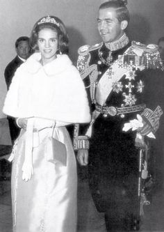 """theimperialcourt: """"King Constantine II and Queen Anne-Marie of Greece """" Queen Anne-Marie wearing the Antique Corsage Tiara Her mother Queen Ingrid of Denmark had this tiara made from a devant de. Greek Royal Family, Danish Royal Family, Casa Real, Princess Mary, Prince And Princess, Queen Anne, King Queen, Constantine Ii Of Greece, Greek Royalty"""